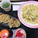 レストラン 函岳 - カニ炒飯と手作りカニ餃子セット1000円