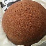 サンモリッツ - カフェブーン。ココアパンのようでココアじゃない。焦げたメロンパンのようでメロンパンじゃない。カフェブーン
