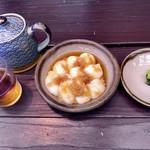 見晴亭 - 料理写真:おろし力餅500円