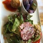 渋谷イタリアン ズッカ - 全然新鮮じゃない野菜サラダ