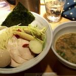 88709913 - 鶏白湯魚介つけSOBA (大) 980円