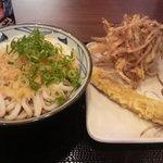 丸亀製麺 - とろ玉うどん(冷)大