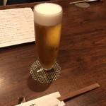 88711401 - 乾杯はビールで。