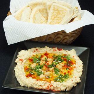 ヘルシーでスパイシーなイスラエル伝統料理をお楽しみください