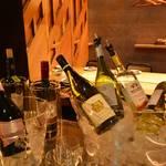 さと舎 - 白ワインも多数飲み放題!