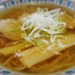 手打ちそば 趣味の店 - オイリーなスープ
