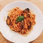 スパゲティ そら - 茄子とベーコンのアラビアータ