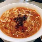 雪園 - 酸辣湯麺