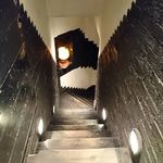ノスタルジア - 地下へ(エレベーターもあります)
