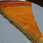ラスティコスリー - テイクアウトしたベイクドチーズケーキ 600円ぐらい甘めだけど美味しかった!!