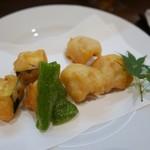 Ikki - 賀茂茄子ハモの天ぷら オニオンスライスサワーソースで