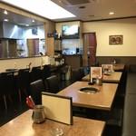 焼肉 韓国料理 瑞英 - カウンター席は8席