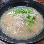 五号線沿いの元祖長浜ラーメン - 料理写真:・ラーメン 500円