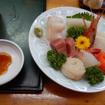 寿司・御食事処 敏 - 刺し盛り5品