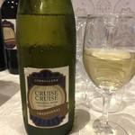 クルーズ・クルーズYOKOHAMA - ドリンク写真:店名の付いたワイン