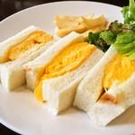 IZ珈琲 - 近の鶏卵たまごサンド