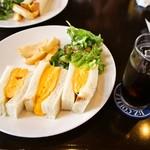 IZ珈琲 - 近の鶏卵たまごサンド & スペシャルアイス