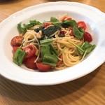 カ・デル・ヴィアーレ - フレッシュトマト&ルーコラのスパゲティーニ バジリコ風味で
