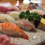 魚大将 - 大盛り握り 1200円(12貫)