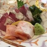 魚大将 - 海鮮御膳のお刺身(2種類だったのでもう少し欲しかったです)