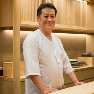 中條清隆氏(ナカジョウキヨタカ)──築地で一番のネタを揃える