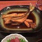 MIKAWA 愛作 - 写真が悪い。2匹の魚、魴鮄とギマの煮付けです。
