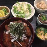 ごっつおや - 料理写真:タレカツ丼