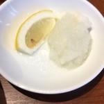 88762299 - 味変のレモン&大根おろし