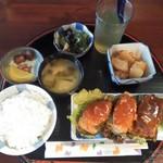英 - 料理写真:「ピーマン肉詰め定食」700円