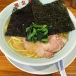 濱之家 - 料理写真:ラーメン。¥700