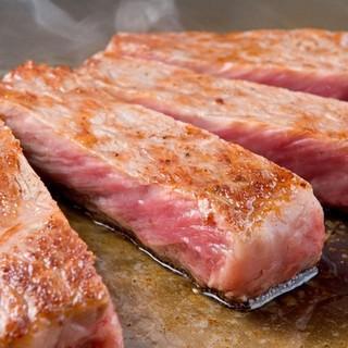 【牛・豚・鹿】上質肉を使用した、極上ステーキ◎