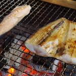 喰い処 鮭番屋 - 焼き風景