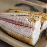 喰い処 鮭番屋 - ホッケ(半身)