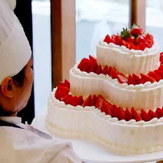 プロが厳選素材で創り出すデコレーションケーキ♪見た目も味も◎