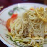 再来軒 - 冷麺の麺はラーメンだと思います。