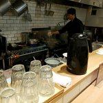 超多加水自家製手揉み麺 きたかた食堂 - カウンター