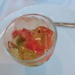 アルカナ 東京 - 小さいトマトのカプレーゼ
