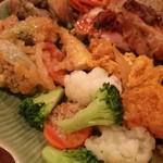 88785341 - 左上は大好きな季節野菜のタイ風ハーブチリマヨネーズ、中央は温野菜サラダ、右は旨味の濃い魚と卵のカレー香り炒め
