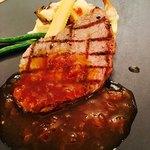 エスカーレ - 牛肉のポワレ オニオンソース    〜味噌香る豆腐と茸のグラチネとグリーン野菜を添えて〜