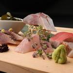 東京肉割烹 西麻布 すどう - 地魚に特化したお造りにも注目!