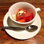 インバーハウス - 料理写真:トマトとモッツァレラのカプレーゼ