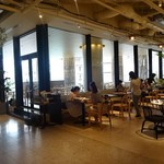 Cosme Kitchen Adaptation - 店内