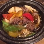 砂肝とたっぷり野菜のアヒージョ