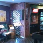 喫茶モア - ビルの2階、お店の入り口