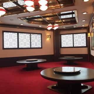まるで上海にきたかのような、内装と本格上海料理をご提供