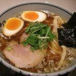 伊駄天 - 醤油らー麺+あじ玉¥750+100