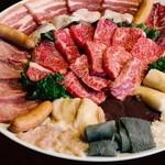 炭火焼肉ホルモン横丁 - 料理写真: