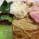 88802802 - 醤油拉麺の具材アップ①