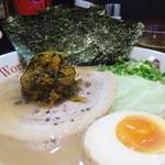 ヌードルワークス - 大分豚骨ラーメンWith辛子高菜