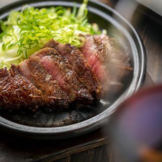 こだわり食材使用!創作串焼き&ステーキをお洒落に楽しむ♪